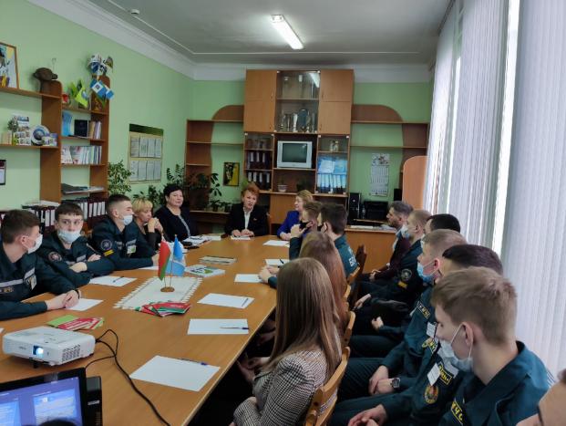Молодежная дискуссионная площадка «Мир права. Конституция Республики Беларусь» в химико-технологическом колледже 12 марта 2021 года