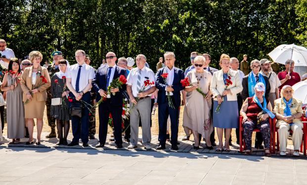 Участие 18 июня 2021 года в духовно-патриотической акции «Памятью и скорбью мир победит войну» на мемориальном комплексе памяти жертв фашизма «Урочище Пески».