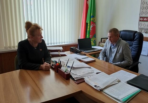 Обсуждение 2 июня 2021 года с директором КУП «ЖКХ г. Полоцка» А.Н. Михалевичем вопросов совершенствования законодательной базы в сфере ЖКХ